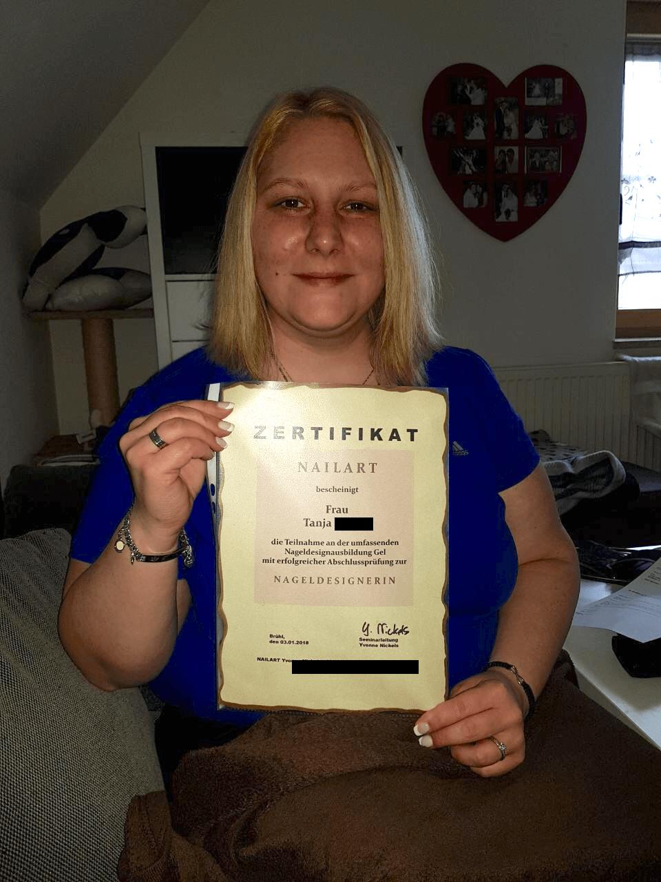 Nageldesign Online Ausbildung Kundenstimme Tanja